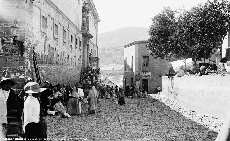 Calle 28 de Septiembre y Alhóndiga de Granaditas (por William Henry Jackson, c. 1888)