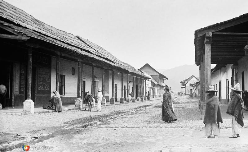 Calle en Amecameca (por William Henry Jackson, c. 1888)