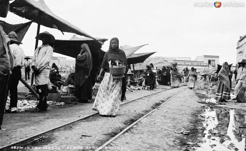 En el mercado de San Luis Potosí (por William Henry Jackson, c. 1888)