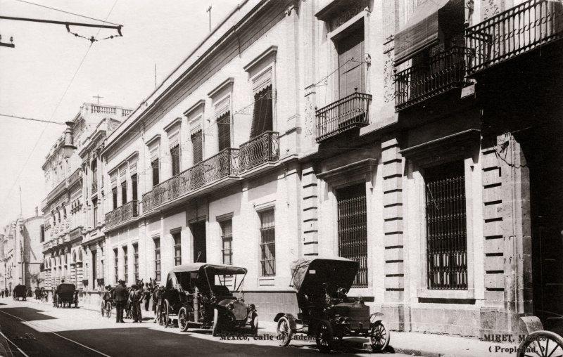 Casa de Porfirio Díaz, en la Calle Cadena (foto Miret, c. 1908)
