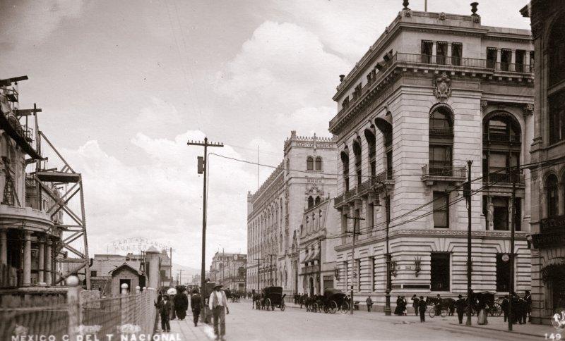 Costado del Teatro Nacional