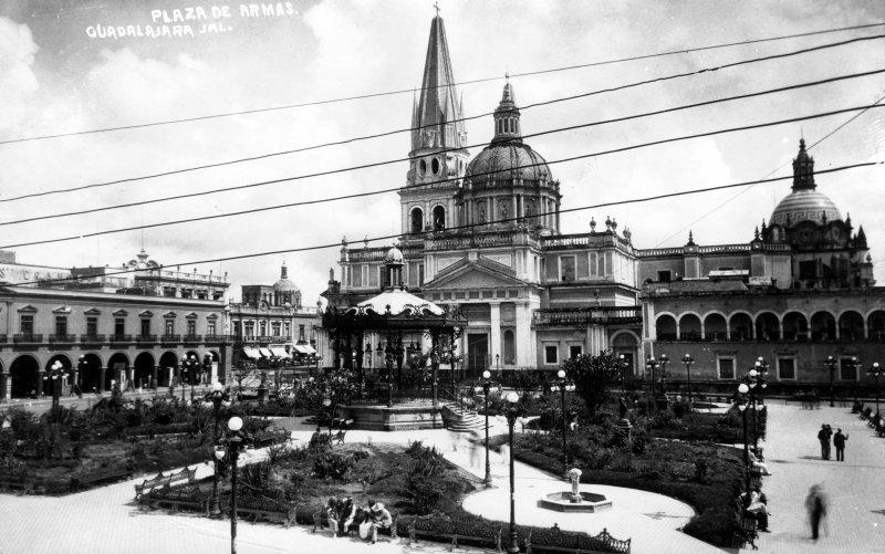 Plaza y Catedral de Guadalajara