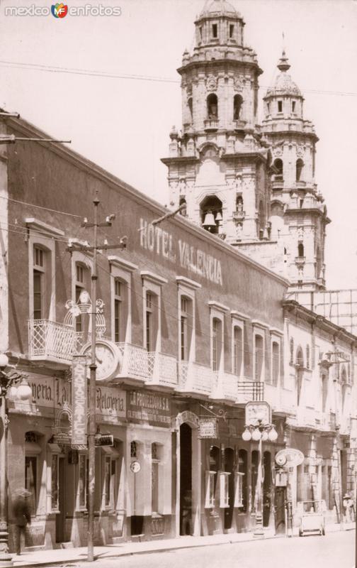 Hotel Valencia y torres e la Catedral