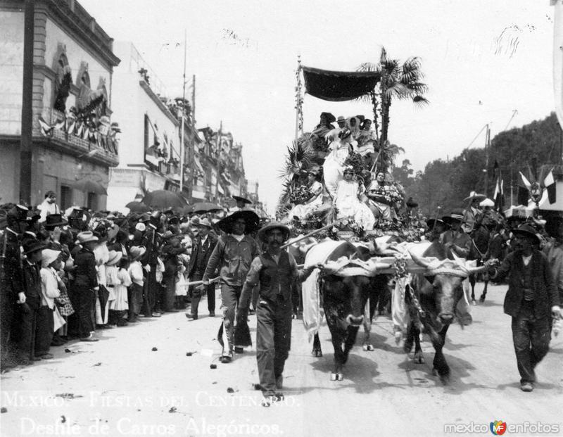 Fiestas del Centenario: Desfile de Carros Alegóricos