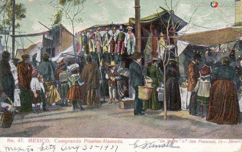Venta de piñatas en la Alameda