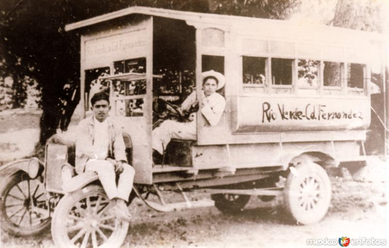 Autobús de Ríoverde a Ciudad Fernández