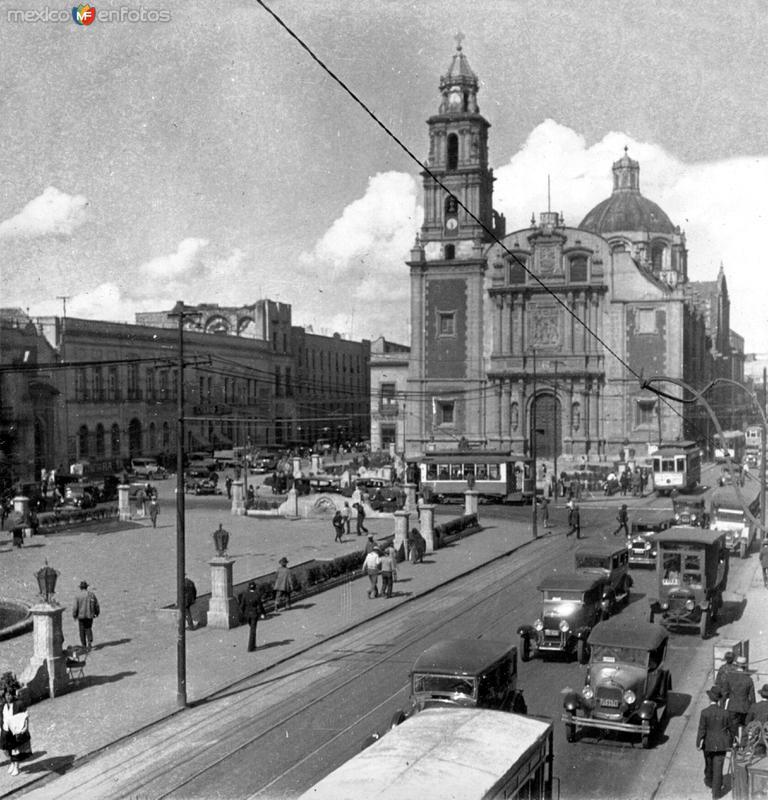 Iglesia y Plaza de Santo Domingo