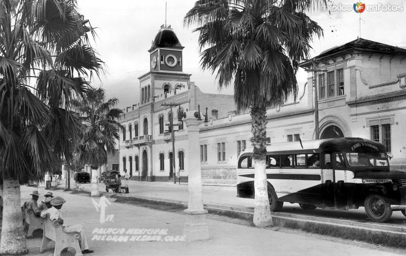 Fotos de Piedras Negras, Coahuila, M�xico: Palacio Municipal