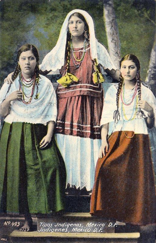 Señoritas indígenas