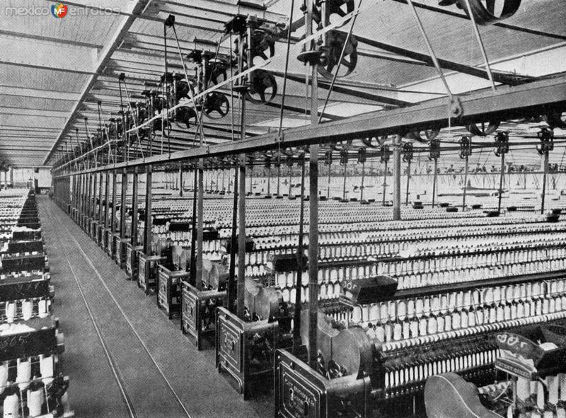 Interior de la fábrica textil