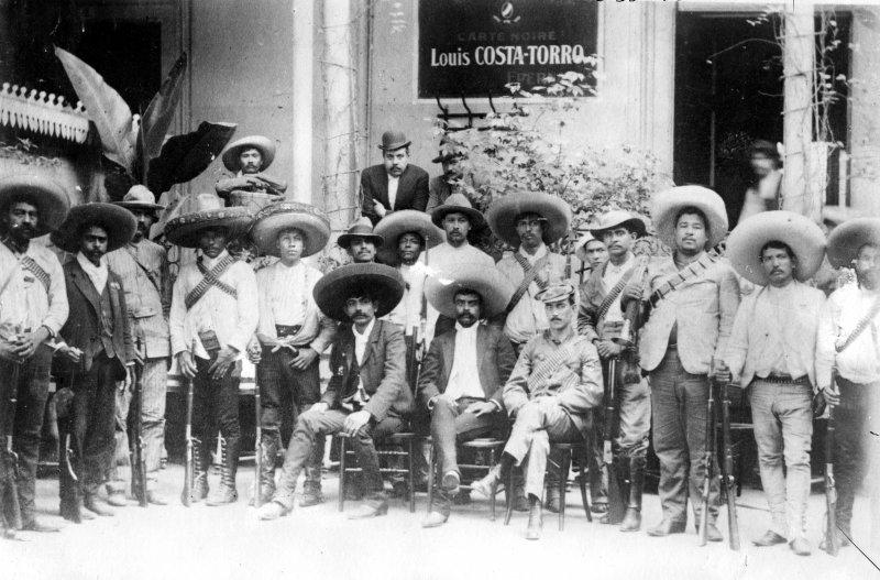 Emiliano Zapata y otros revolucionarios (Bain News Service, c. 1914)