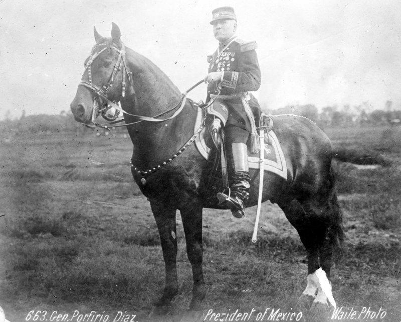 Porfirio Díaz a caballo (Bain News Service, c. 1910)