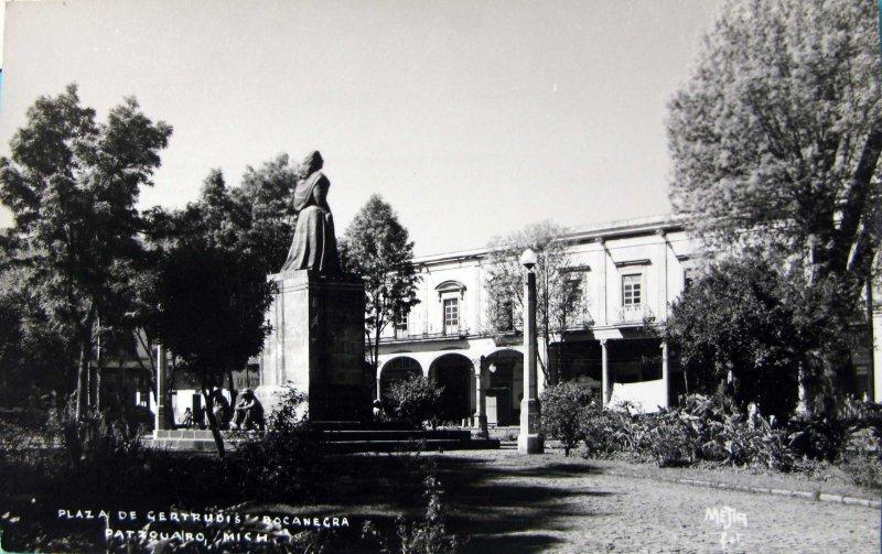 PLAZA DE GETRUDIS BOCANEGRA Hacia 1945