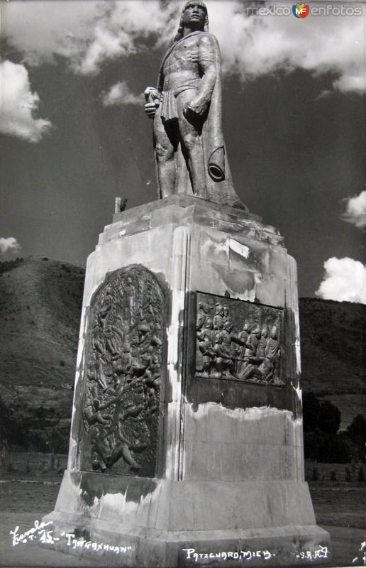 MONUMENTO A TANGAXHUAN Hacia 1945