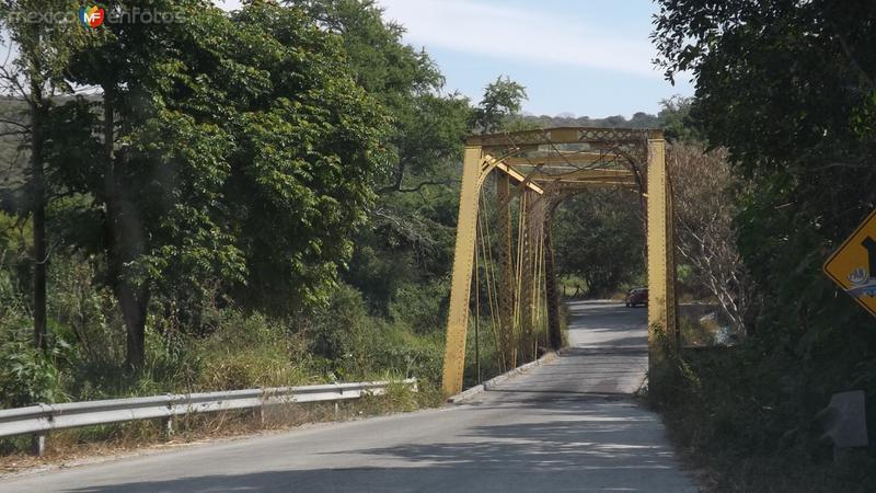 Puente de Hierro sobre el Río Yautepec. Diciembre/2014