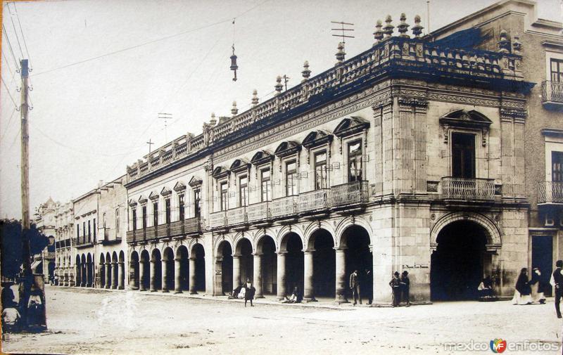 ESCENA CALLEJERA Hacia 1900