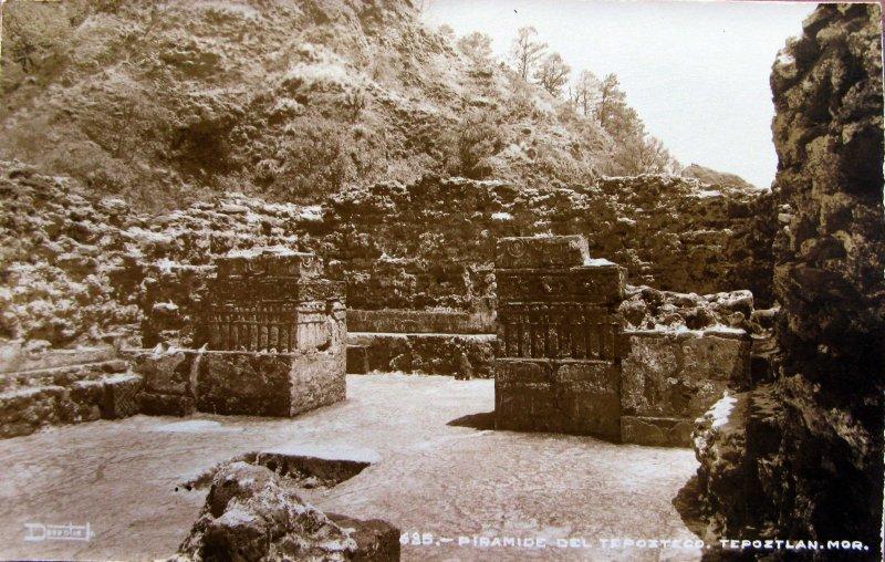 RUINAS ARQUEOLOGICAS PIRAMIDE DEL TEPOZTECO Hacia 1945