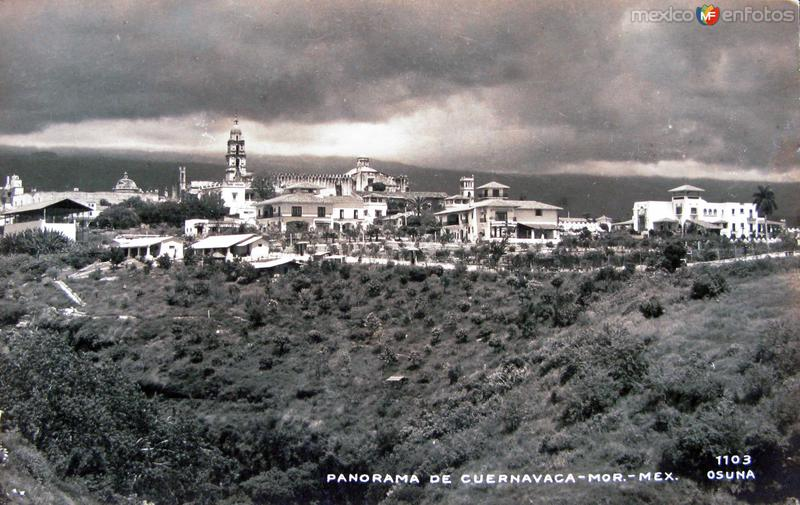 Fotos de Cuernavaca, Morelos, México:  PANORAMA E IGLESIA  Hacia 1945