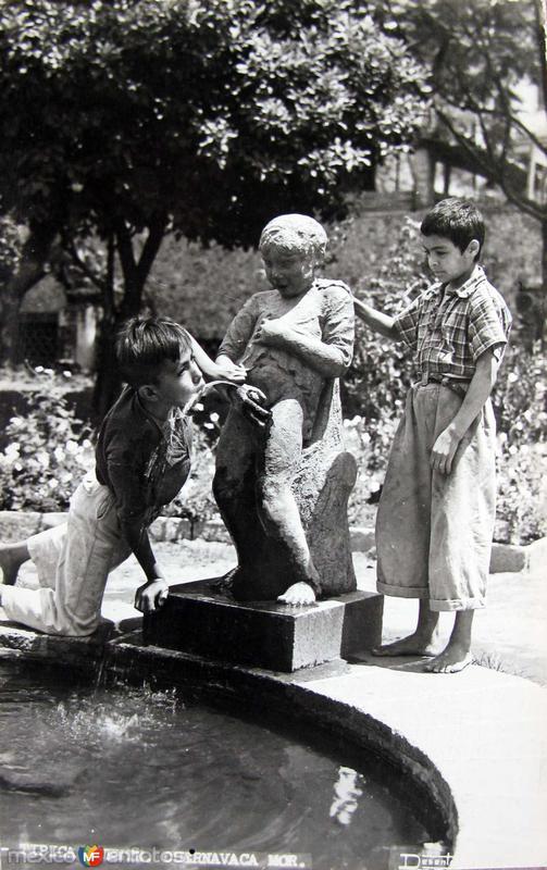 TIPICA FUENTE Hacia 1945