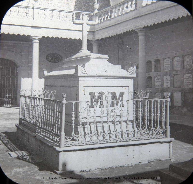 Tumba de Miguel Miramon Panteon de San Fernando Mexico D F Hacia 1900