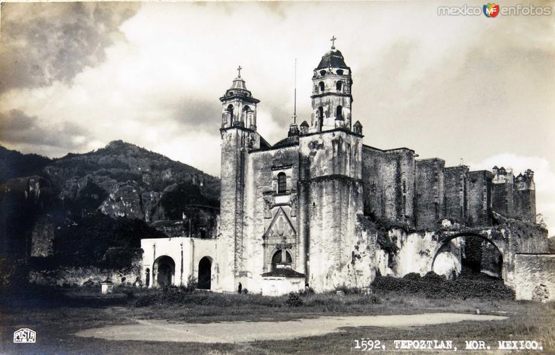 PANORAMA E IGLESIA Hacia 1930