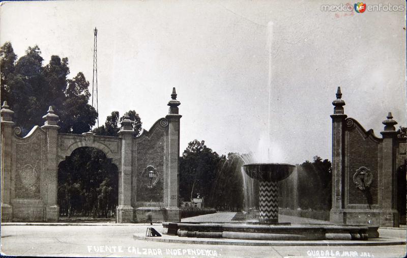 FUENTE CALZADA INDEPENDENCIA Hacia 1945