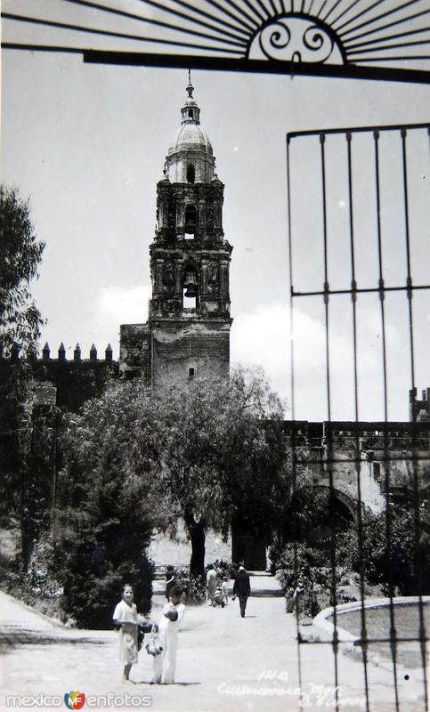 ATRIO DE LA IGLESIA Hacia 1945