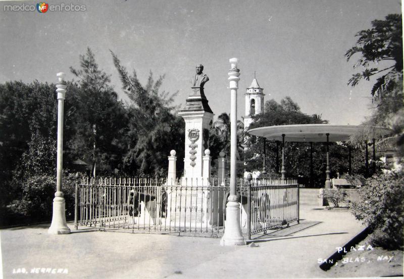 LA PLAZA Hacia 1930