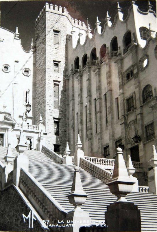 Fotos de Guanajuato, Guanajuato, México: ESCALINATA DE LA UNIVERSIDAD Hacia 1945