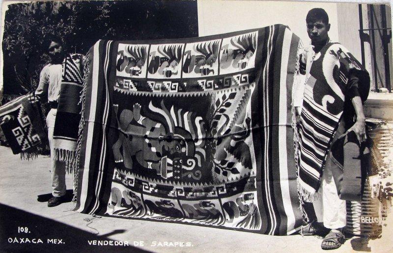TIPOS MEXICANOS VENDEDOR DE ZARAPES Hacia 1945