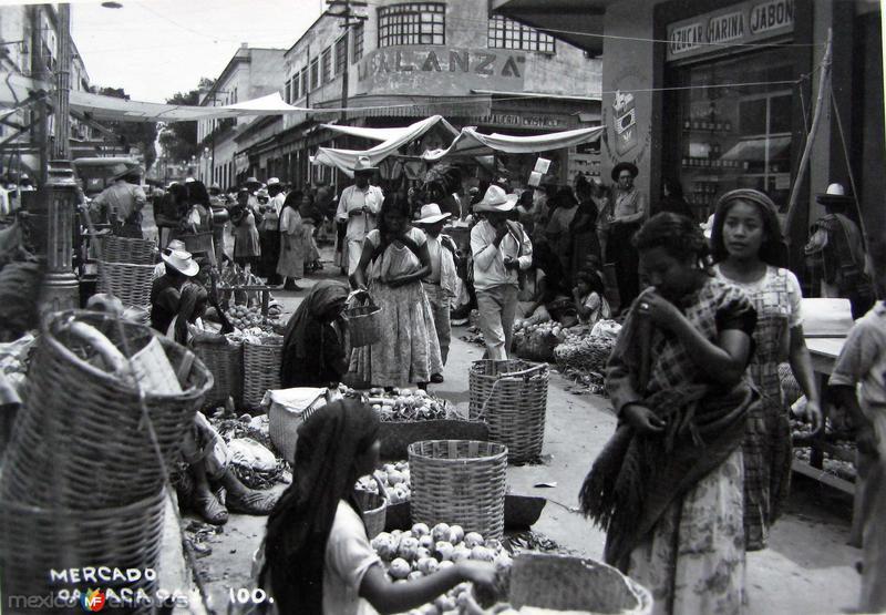 TIPOS MEXICANOS MERCADO TIPICO Hacia 1945