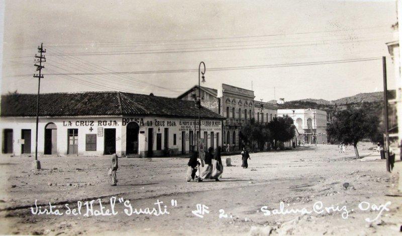 ESCENA CALLEJERA PANORAMA DEL HOTEL GUASTI Hacia 1930