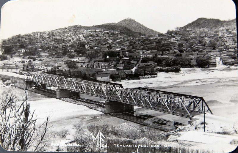 PANORAMA Y PUENTE Hacia 1945