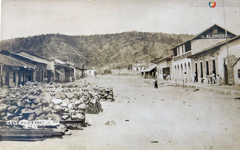ESCENA CALLEJERA Y PANORAMA Hacia 1945