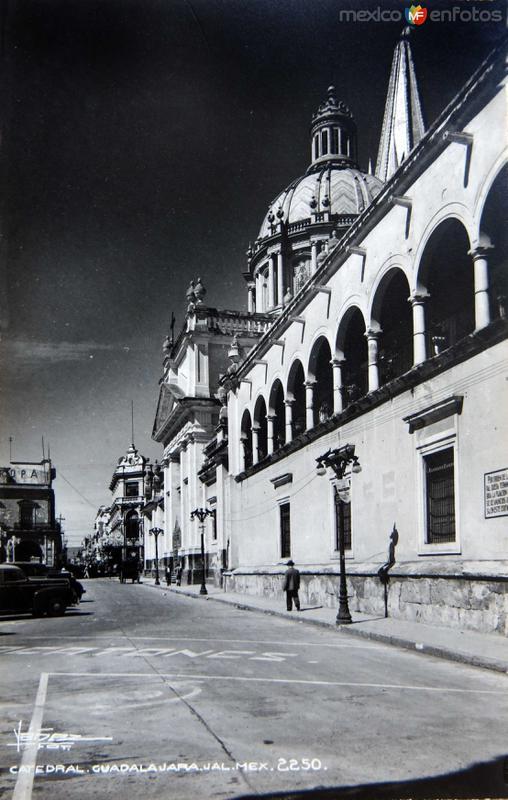 CATEDRAL Y PANORAMA Hacia 1945