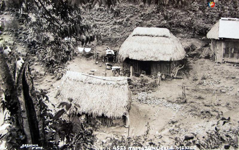 PANORAMA TIPICO por el fotografo HUGO BEREHME Hacia 1930