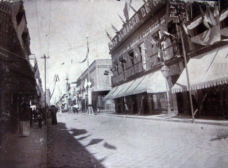 ESCENA CALLEJERA Hacia 1909