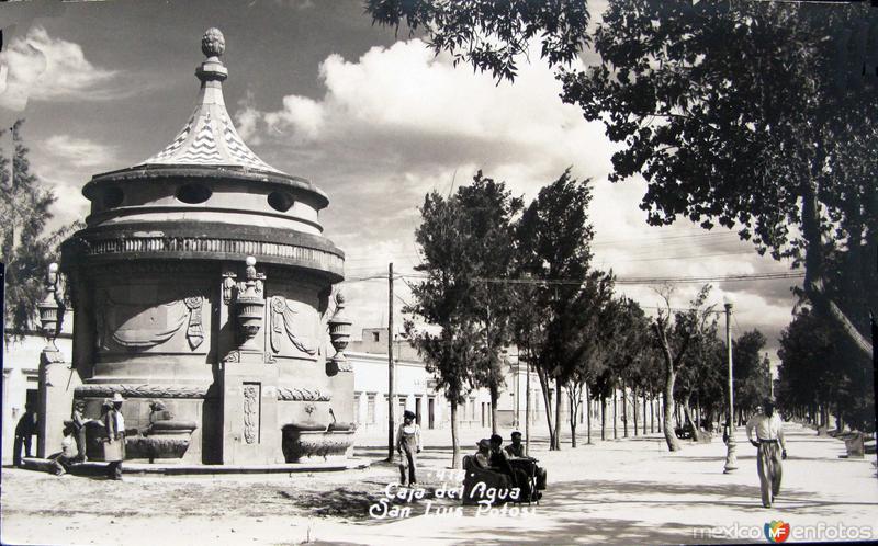 LA CAJA DE AGUA Hacia 1945