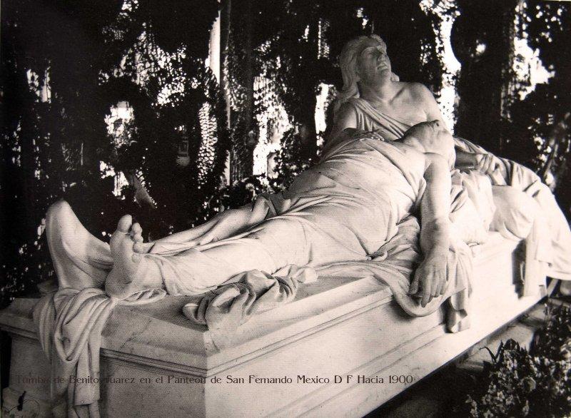 Tumba de Benito Juarez en el Panteon de San Fernando Mexico D F Hacia 1900