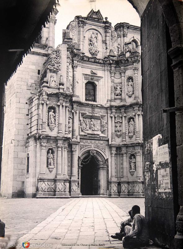 TIPOS MEXICANOS Limosneros en Oaxaca Hacia 1945