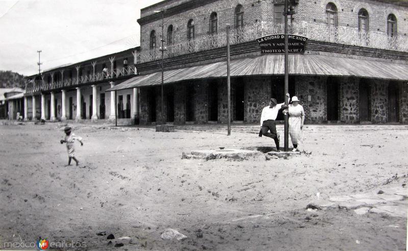 Fotos de , , México: TIPOS MEXICANOS  Compradores Hacia 1909