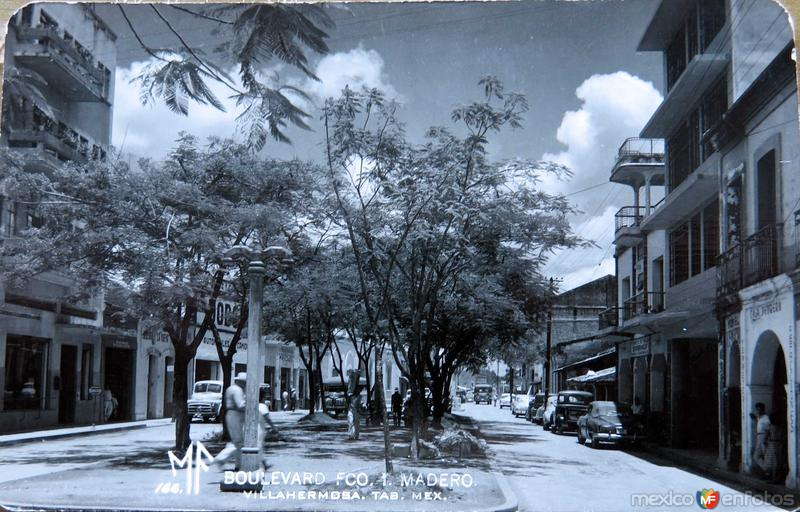 BOULEVARD FRANCISCO I MADERO Hacia 1945