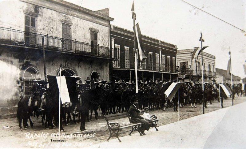 EN TIEMPOS DE LA REVOLUCION MEXICANA Hacia 1914