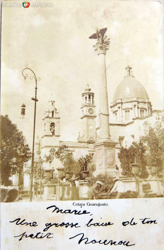 PLAZA E IGLESIA Circa 1910