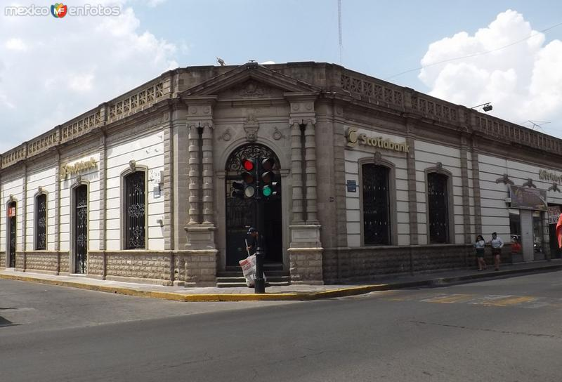 Arquitectura neoclásica en el centro de la ciudad. Abril/2015