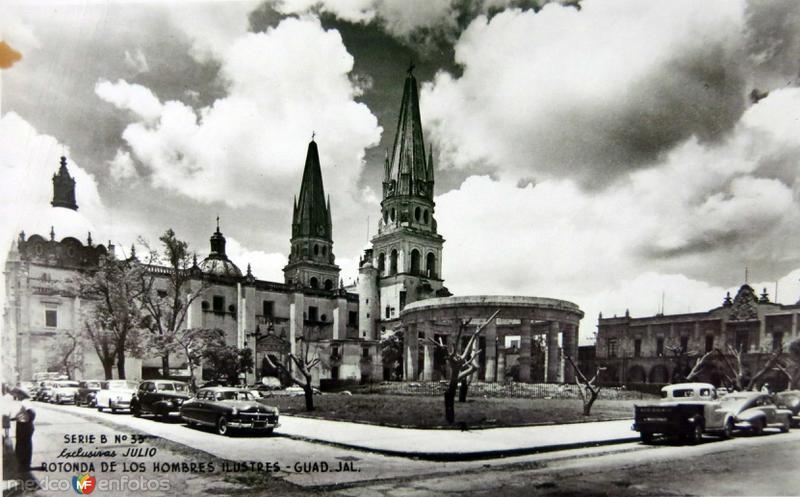 ROTONDA DE LOS HOMBRES ILUSTRES Y CATEDRAL circa 1930-1950