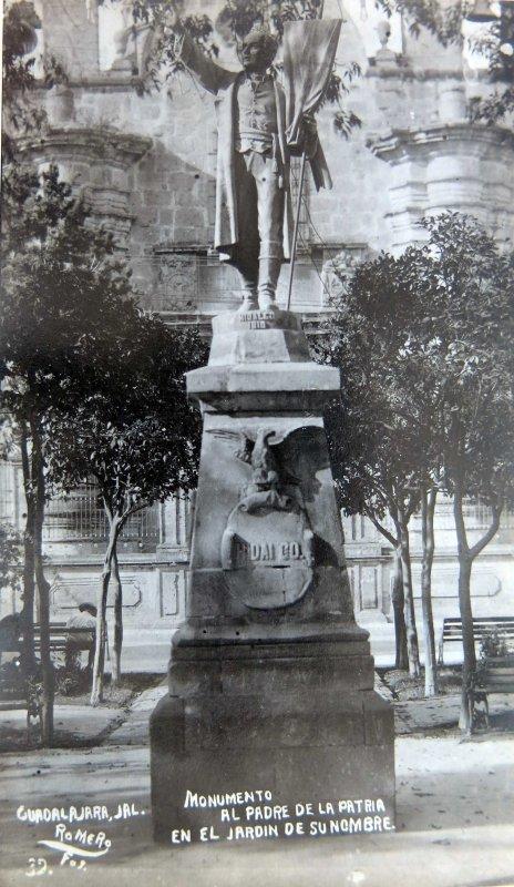 MONUMENTO A HIDALGO Circa 1930-1950