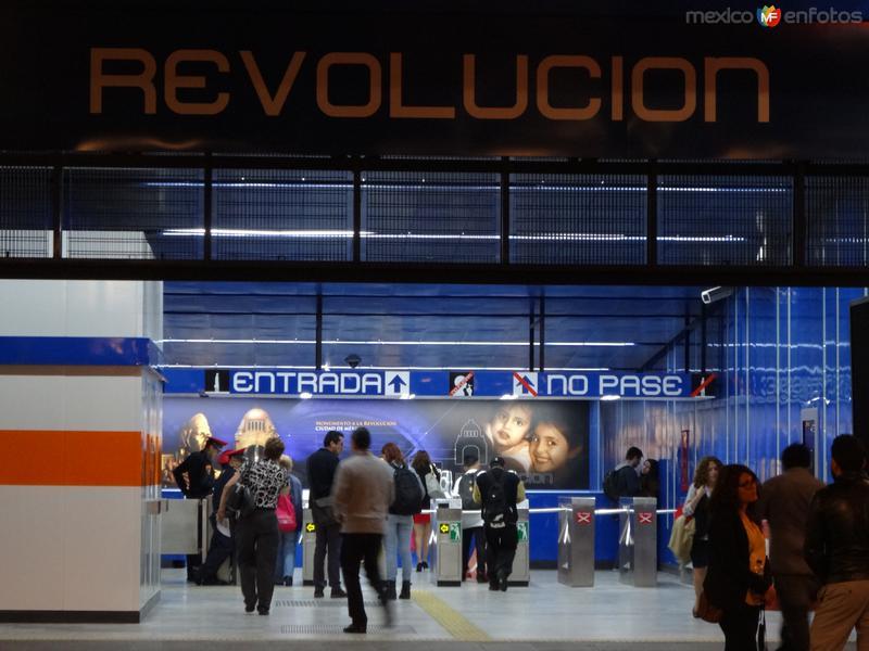 Metro Revolución