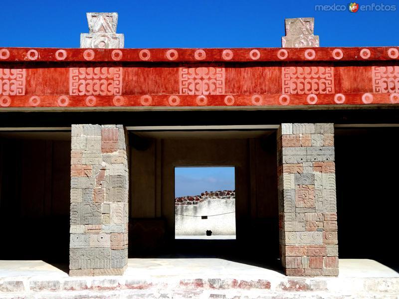 Patio de los Pilares, en el Palacio de Quetzalpapálotl