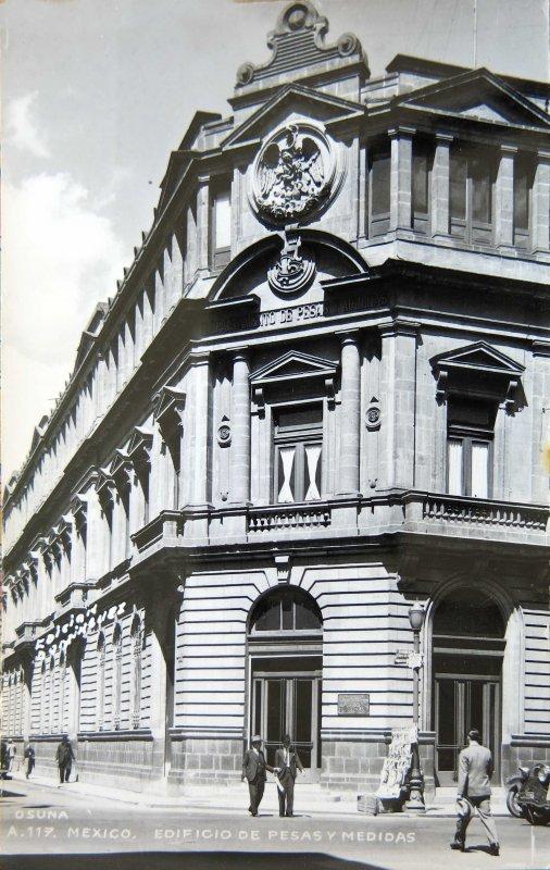 EDIFICIO DE PESAS Y MEDIDAS Circa 1930-1950